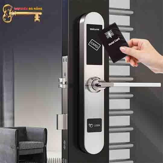 khóa khách sạn, Khóa thẻ từ Khách Sạn Avats 7022