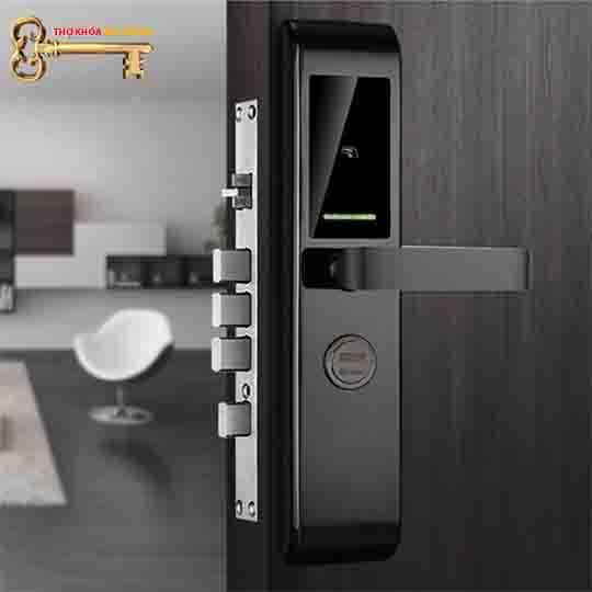 khóa khách sạn, Khóa thẻ từ Khách Sạn Avats 7024
